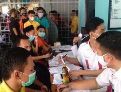 Ratusan Warga Binaan Rutan Kelas 1 Cirebon Ikuti Vaksinasi Tahap Pertama