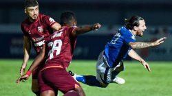 Raih satu Poin ,Persib Bandung di tahan Imbang Borneo FC
