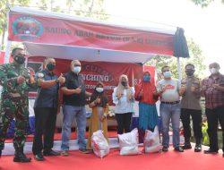 Launching SKKC, Bupati Kuningan Bagikan Sembako