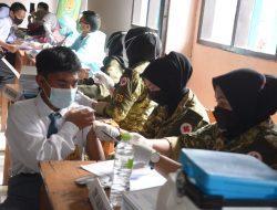"""""""Serbuan Vaksin Siliwangi Silih Lindungi"""" Digelar di SMA PGRI 31 Pangalengan"""