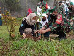 Jaga Kelestarian Alam, Kodim 0615/Kuningan Tanam Ribuan Pohon