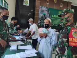 Kodim Kuningan Salurkan Bantuan Tunai untuk Pedagang Kaki Lima dan Warung