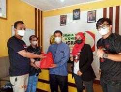 Sahabat Ganjar DPC Kuningan Sebar Ratusan Paket Sembako dan Nasi Kotak