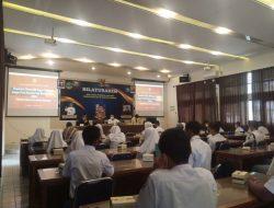 Siswa SMKN 3 Kuningan Diberi Penyuluhan Hukum Cyber Law dan Cyber Bullying