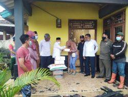PMI Kuningan Salurkan Bantuan Pada Korban Kebakaran di Kaduela